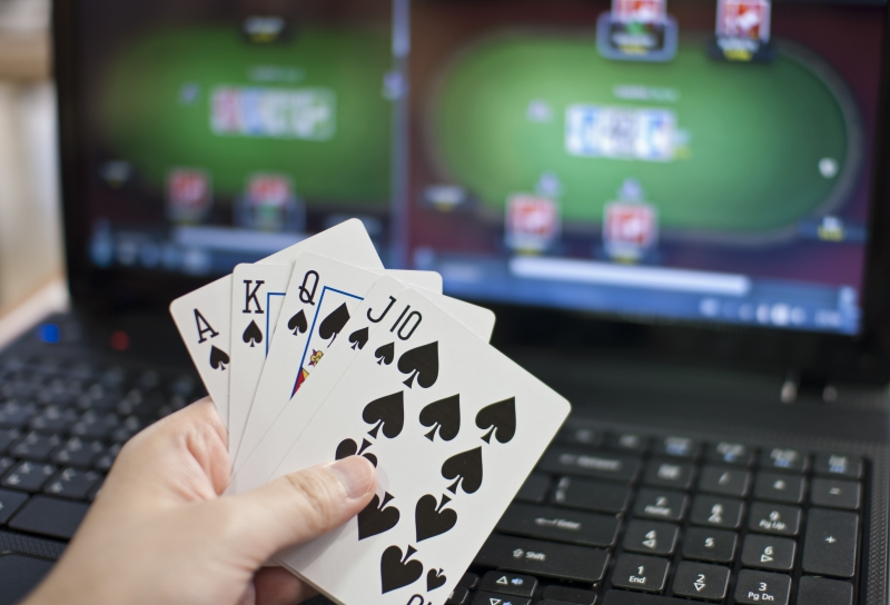 2427867-online-poker (1)